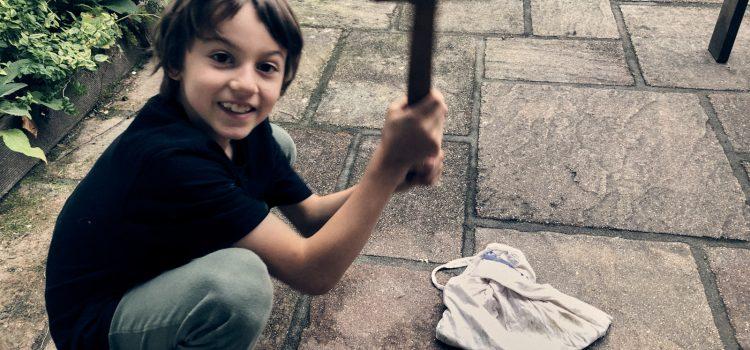 Waschmittel aus Kastanie Rosskastanien Herbst Projekt mit Kindern Wurzeltrapp Wildnisschule